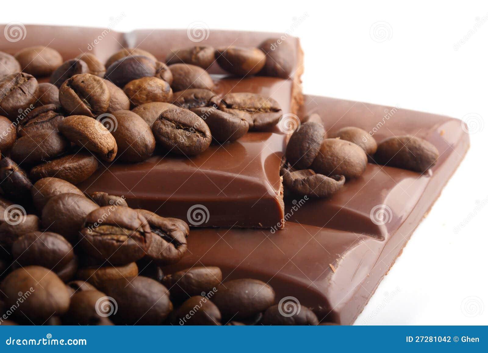 Makro som skjutas av choklad