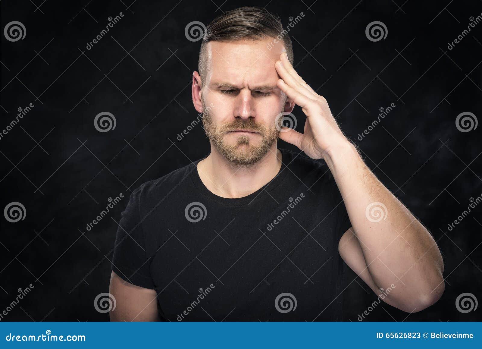 Mal de tête chez les hommes