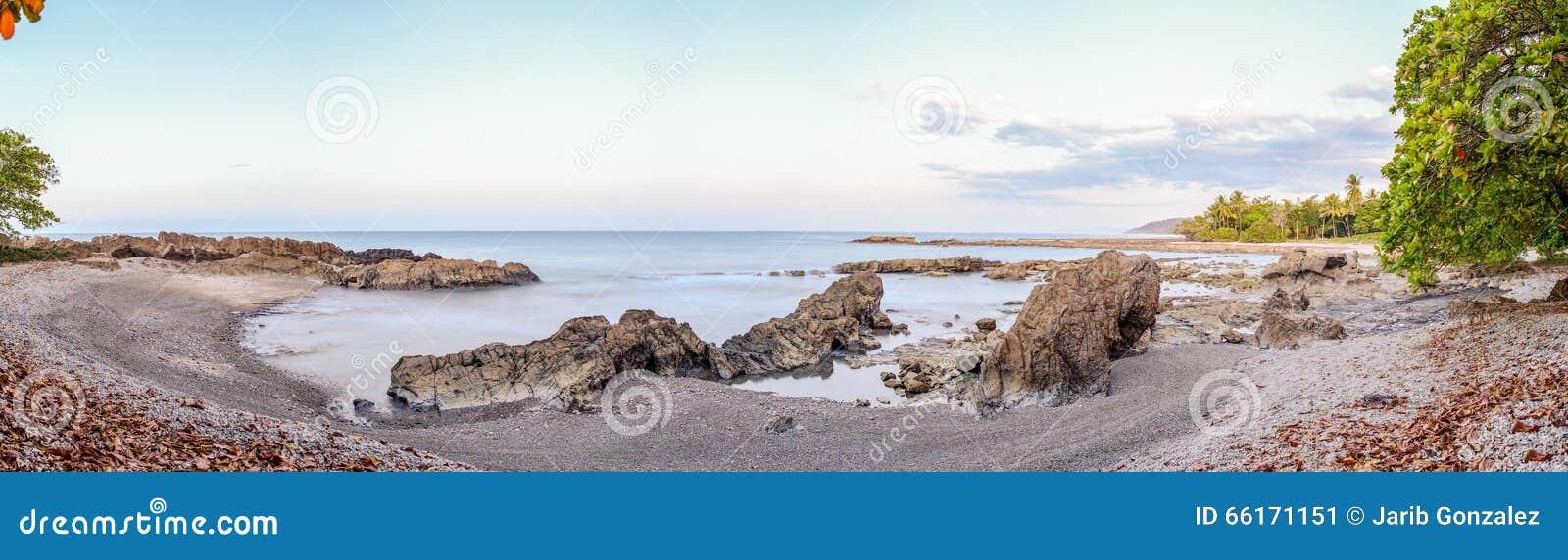 Mal Pais plaża przy nocą