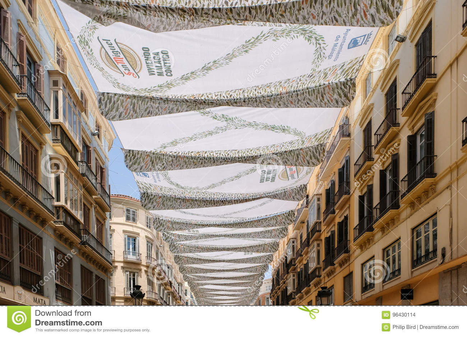 MALAGA, ANDALUCIA/SPAIN - 5 DE JULHO: Ideia do centro de cidade do Mal