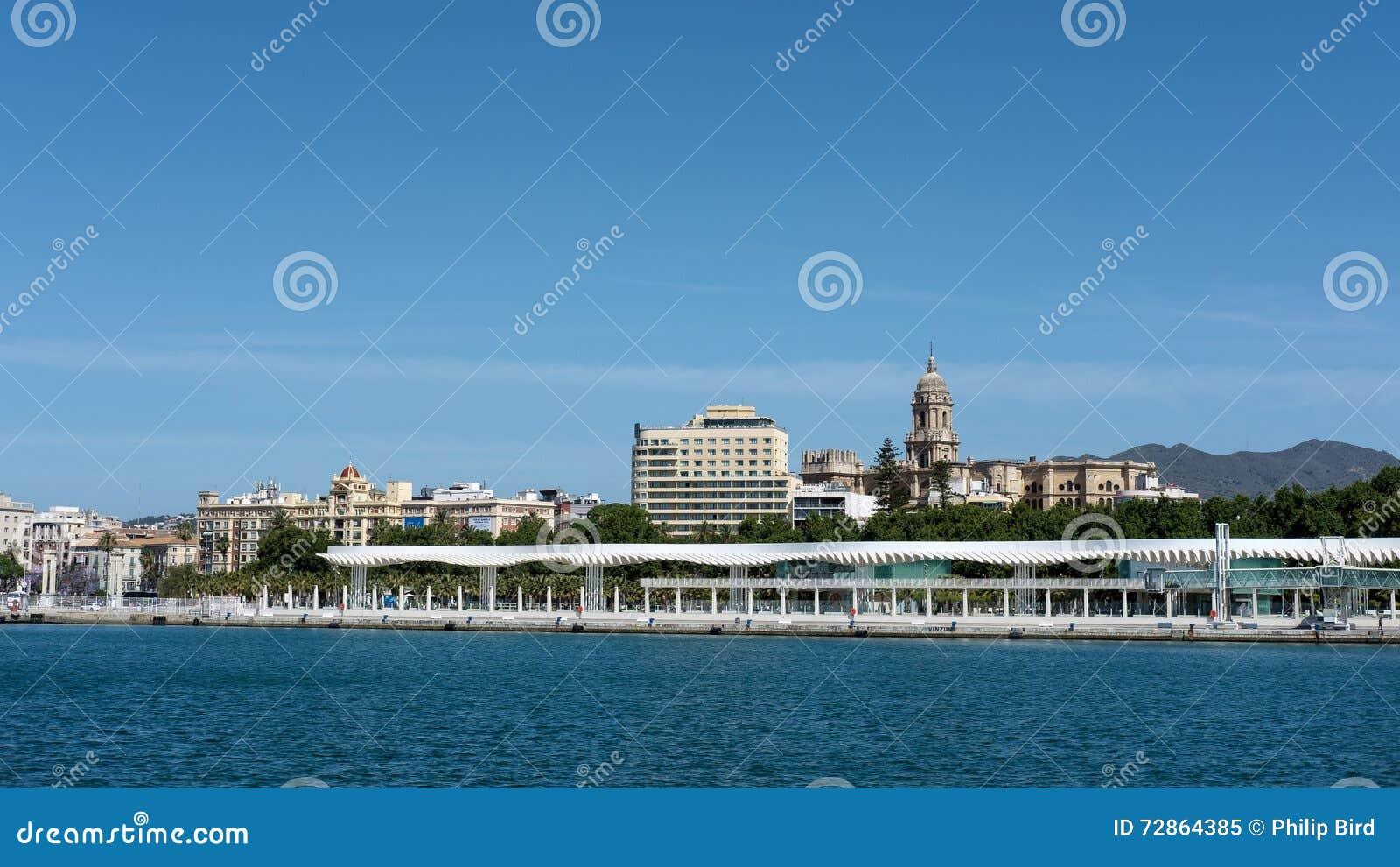 MALAGA ANDALUCIA/SPAIN - MAJ 25: Sikt av den Malaga horisonten in
