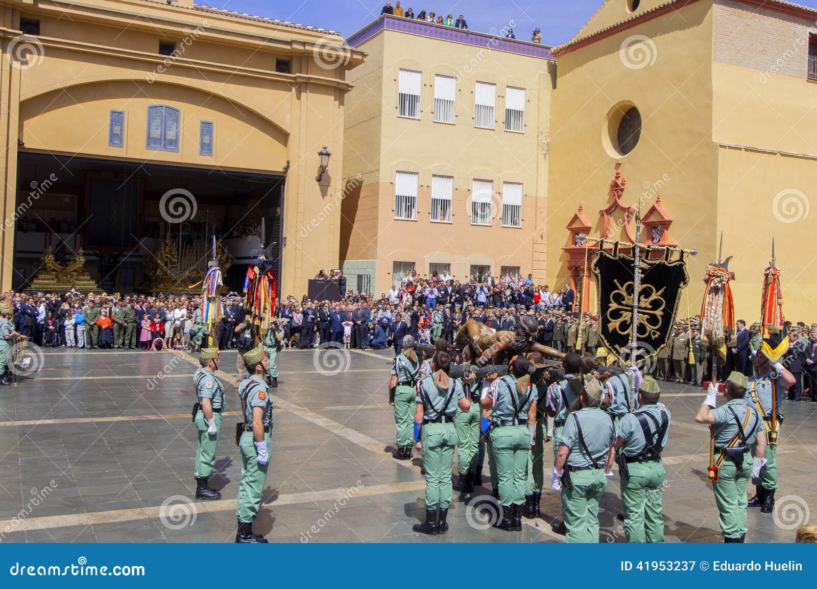 MALAGA HISZPANIA, KWIECIEŃ, - 09: Hiszpańszczyzny Legionarios marsz na militar