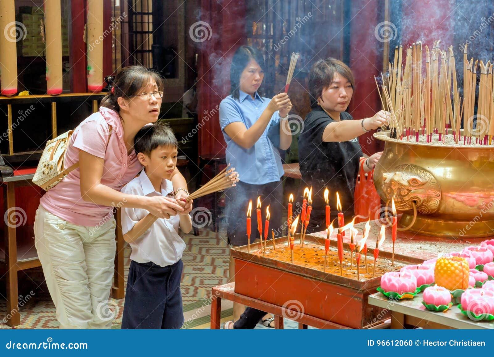 Malasia, en Kuala Lumpur durante Año Nuevo chino en el pecado Sze Si Ya Temple