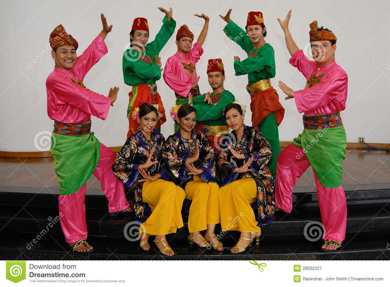 Malay Traditional Dance editorial photography. Image of ...