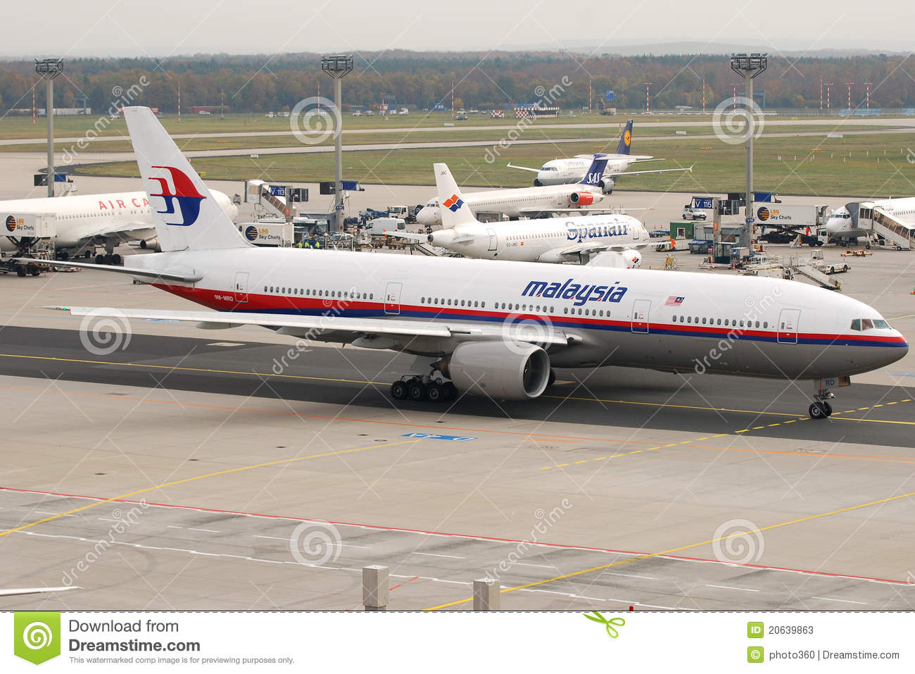 Malaysia Airlines B777 Editorial Stock Photo