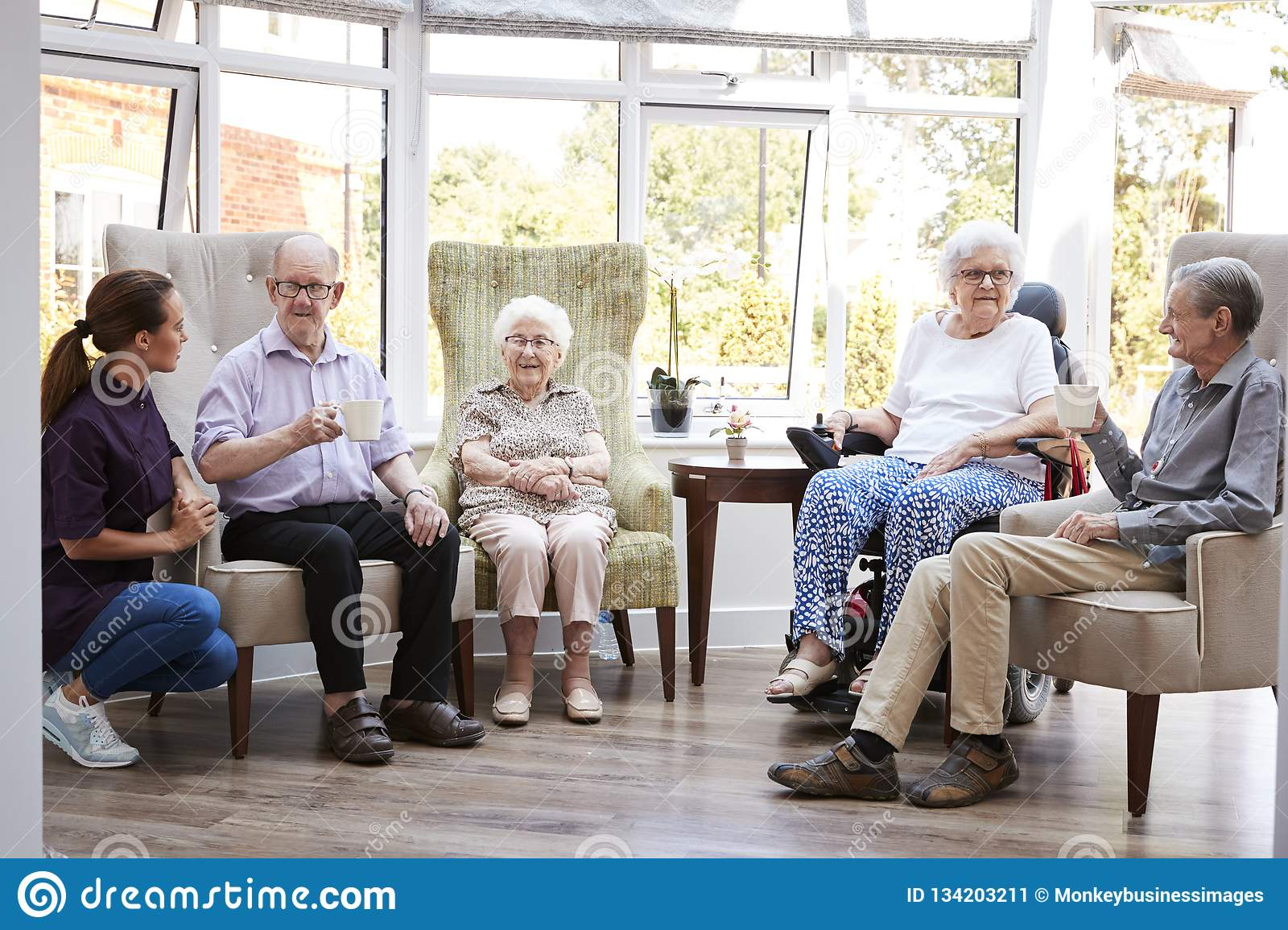 assisted living retirement homes - 1000×667