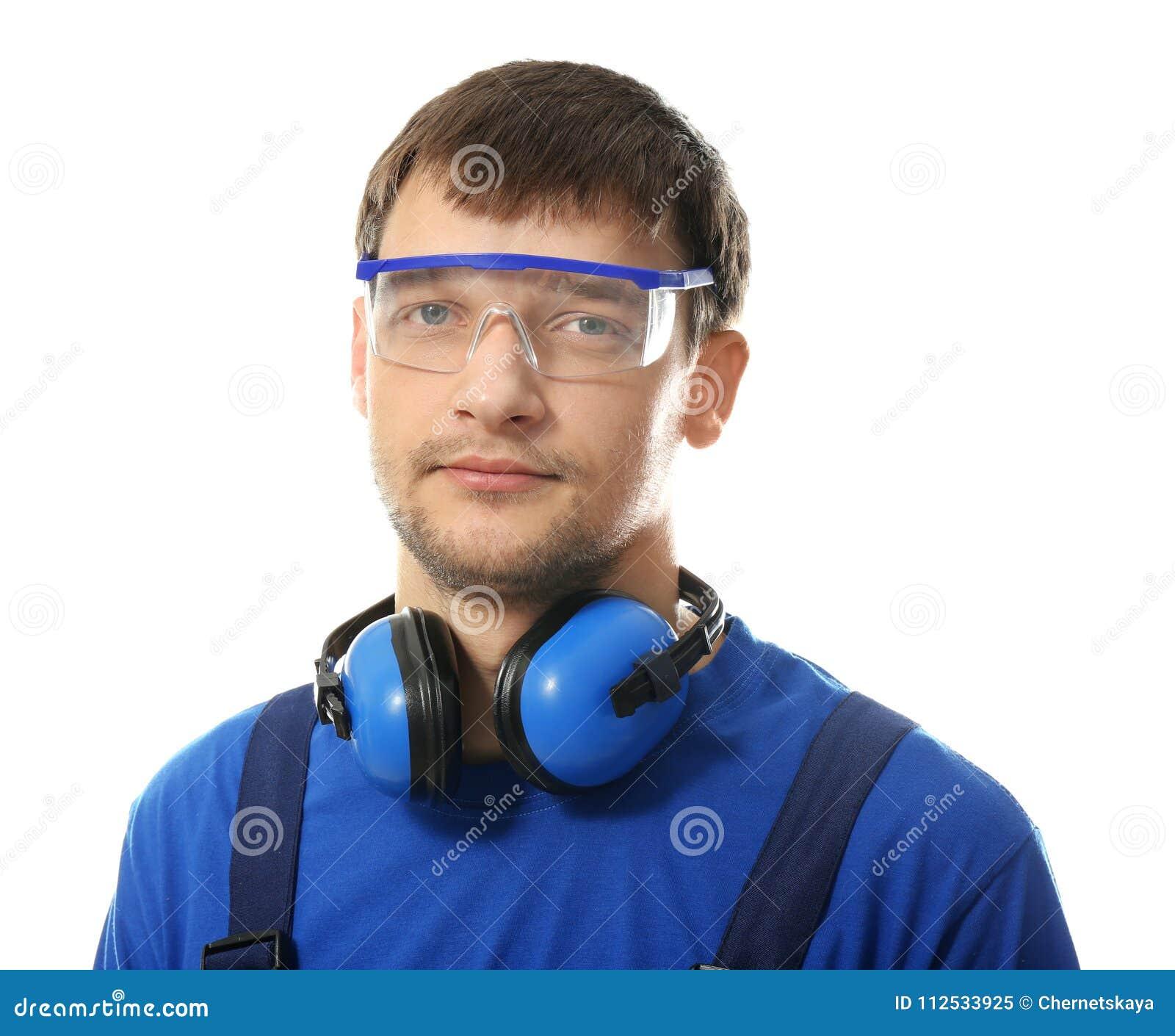male worker wears headphones - HD1300×1162