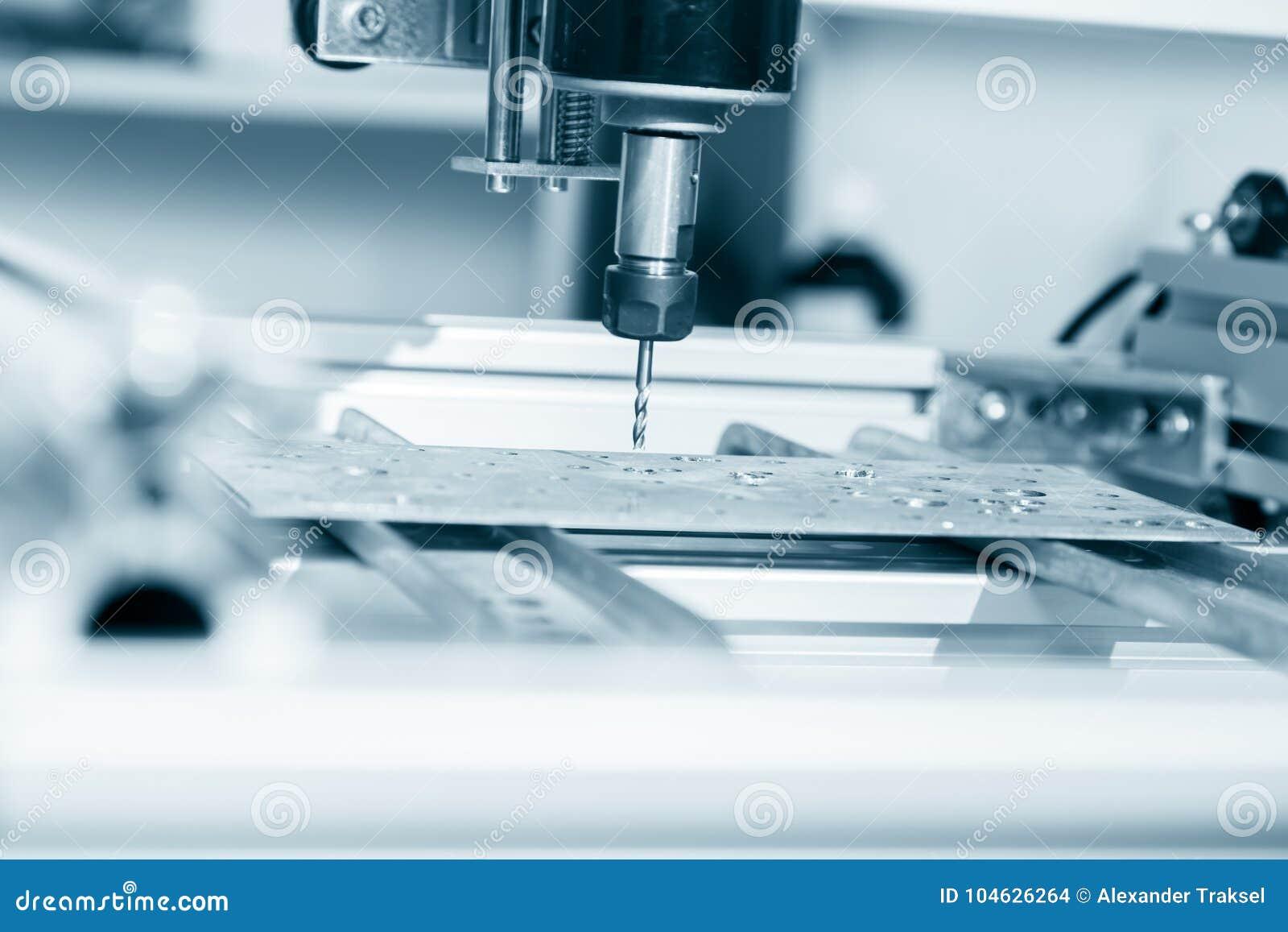 Download Malenmachine Die Aan Staaldetail Werken CNC Malenmachine Die, Snijdende Metaalbewerking Processn Werken Stock Foto - Afbeelding bestaande uit up, fabriek: 104626264
