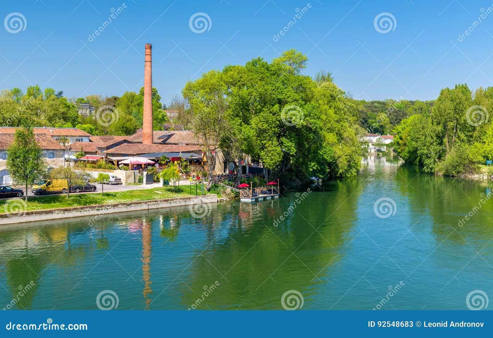 Malerische Landschaft des Charente-Flusses am Kognak, Frankreich