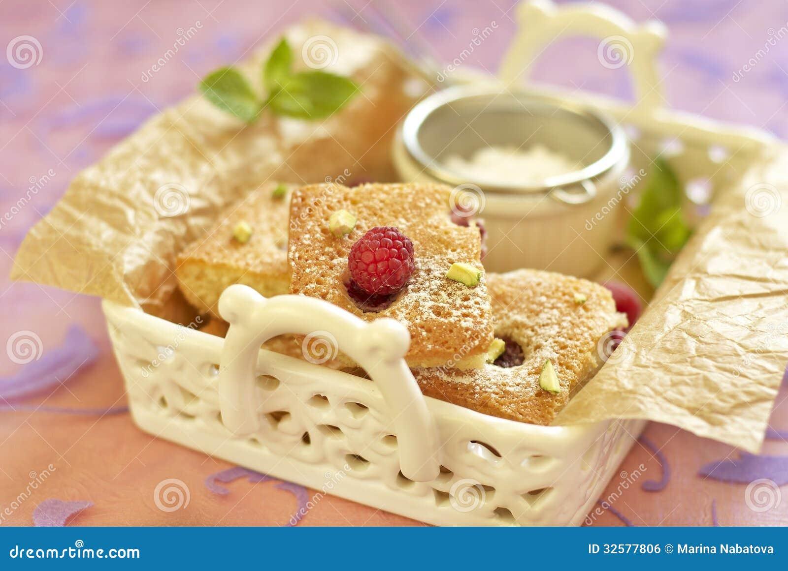 Malinka tort z pistacją
