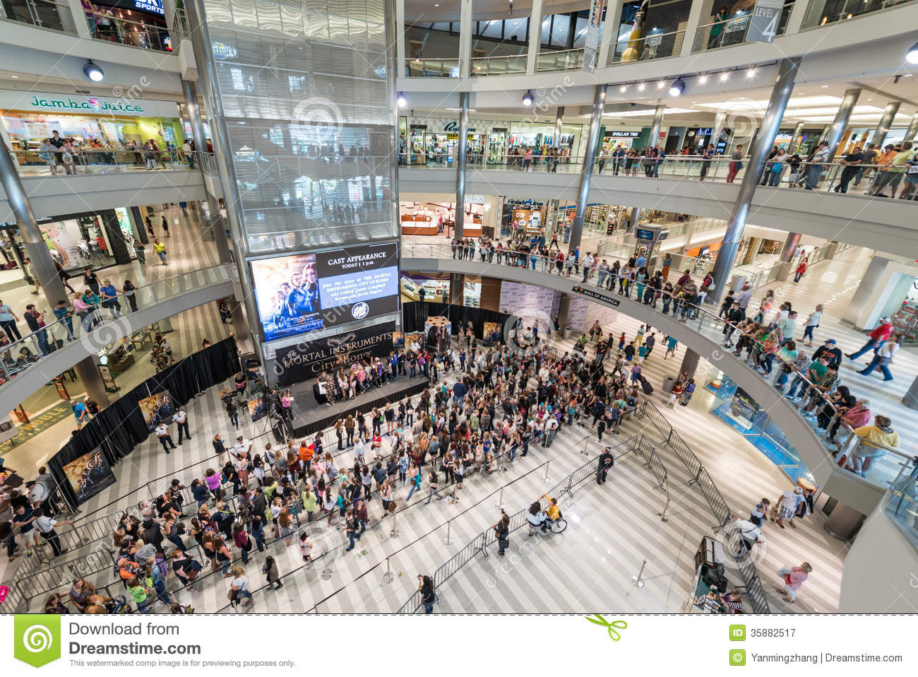 Jobs for 16,17,18 and 19 year olds teenagers at the Mall of America and Nickelodeon Universe in Minnesota. About Mall of America Mall of America is a shopping mall located in the South Loop District of Bloomington, Minnesota.