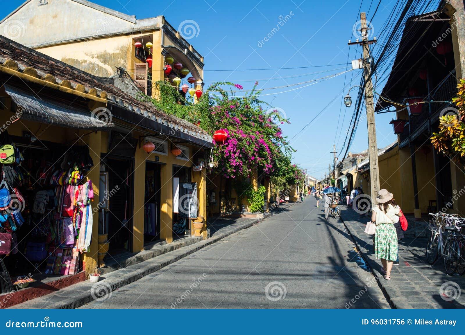 Malownicza ulica w Hoi, Wietnam