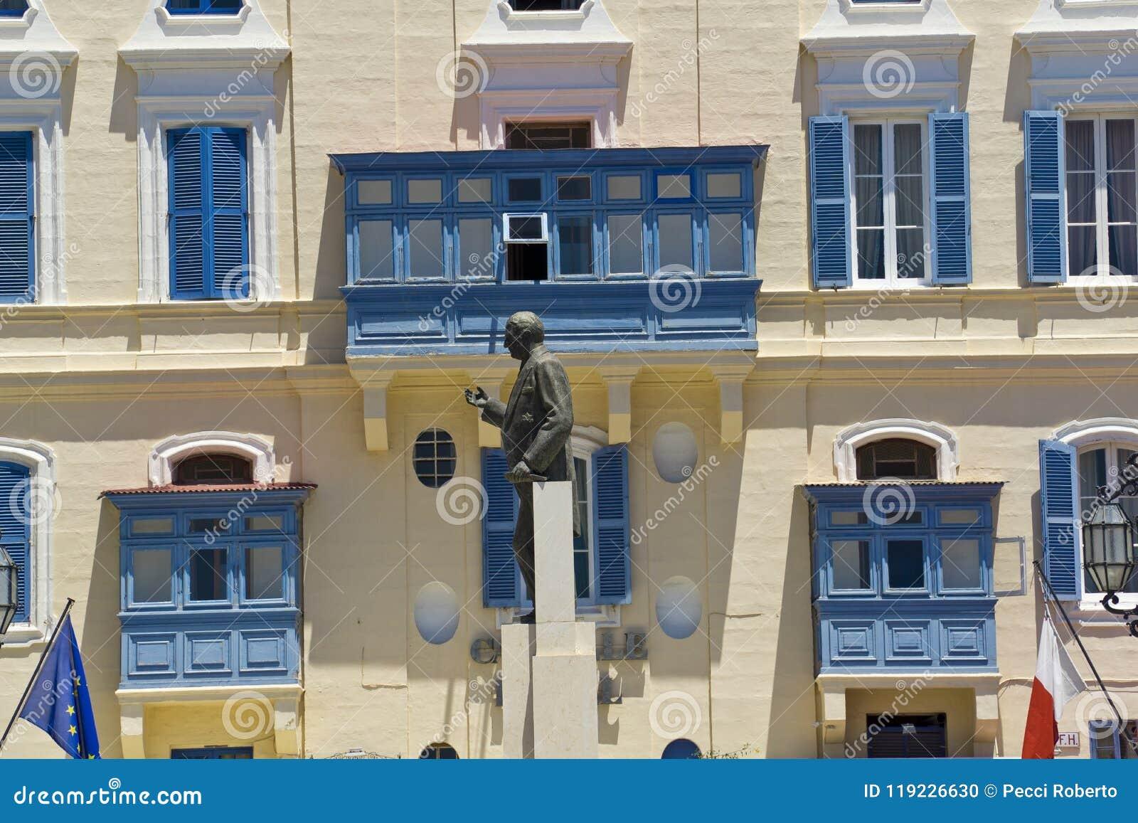 Malte, La La Valette, statue de George Borg Olivier Castille Square