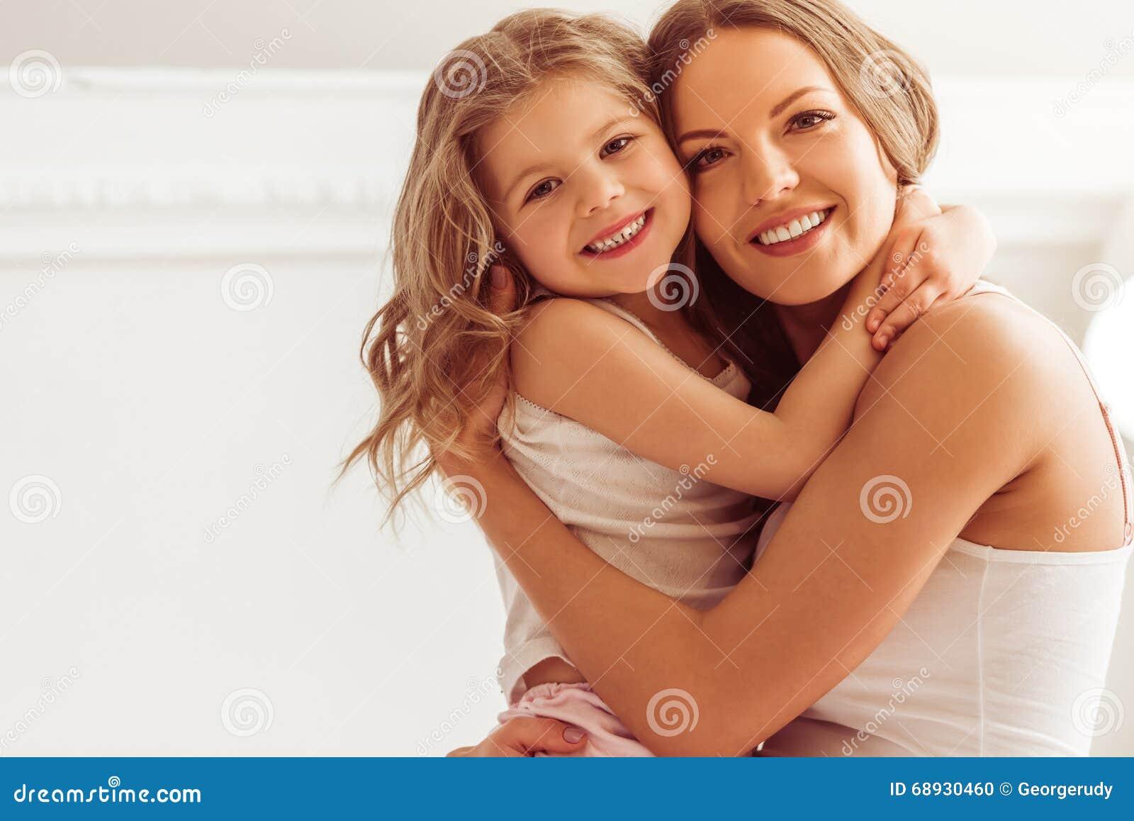 Mamá con la hija