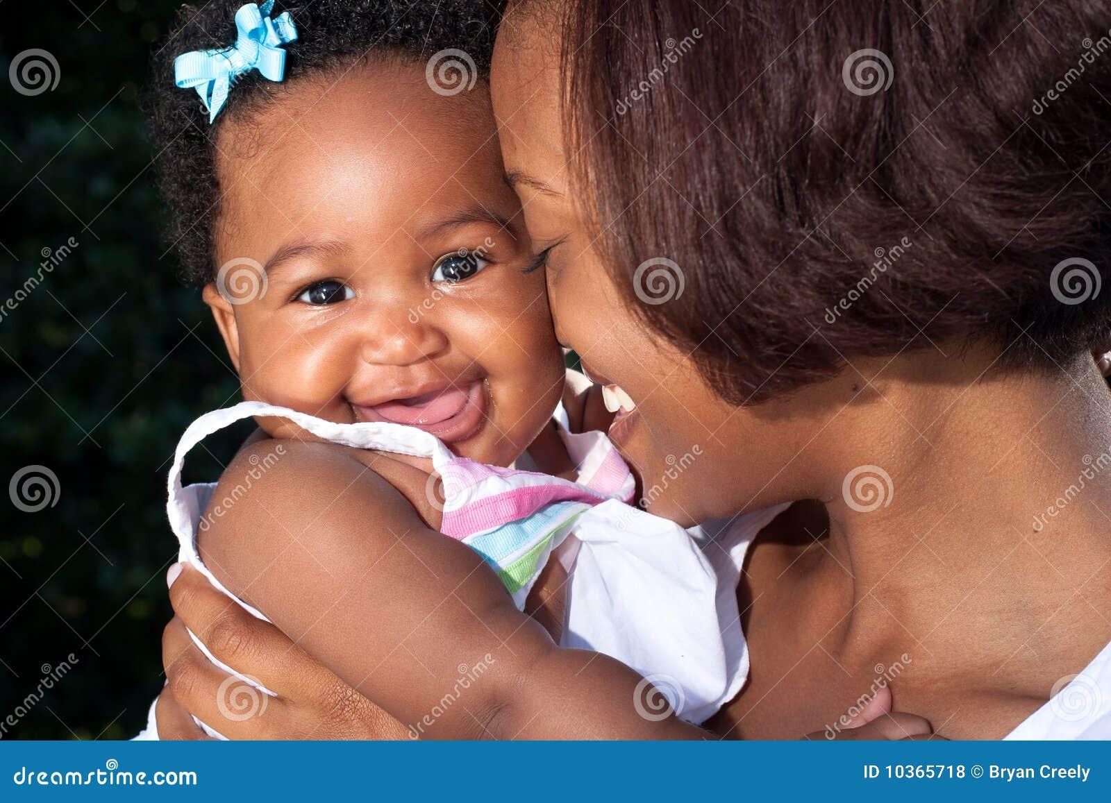 Mamã nova feliz