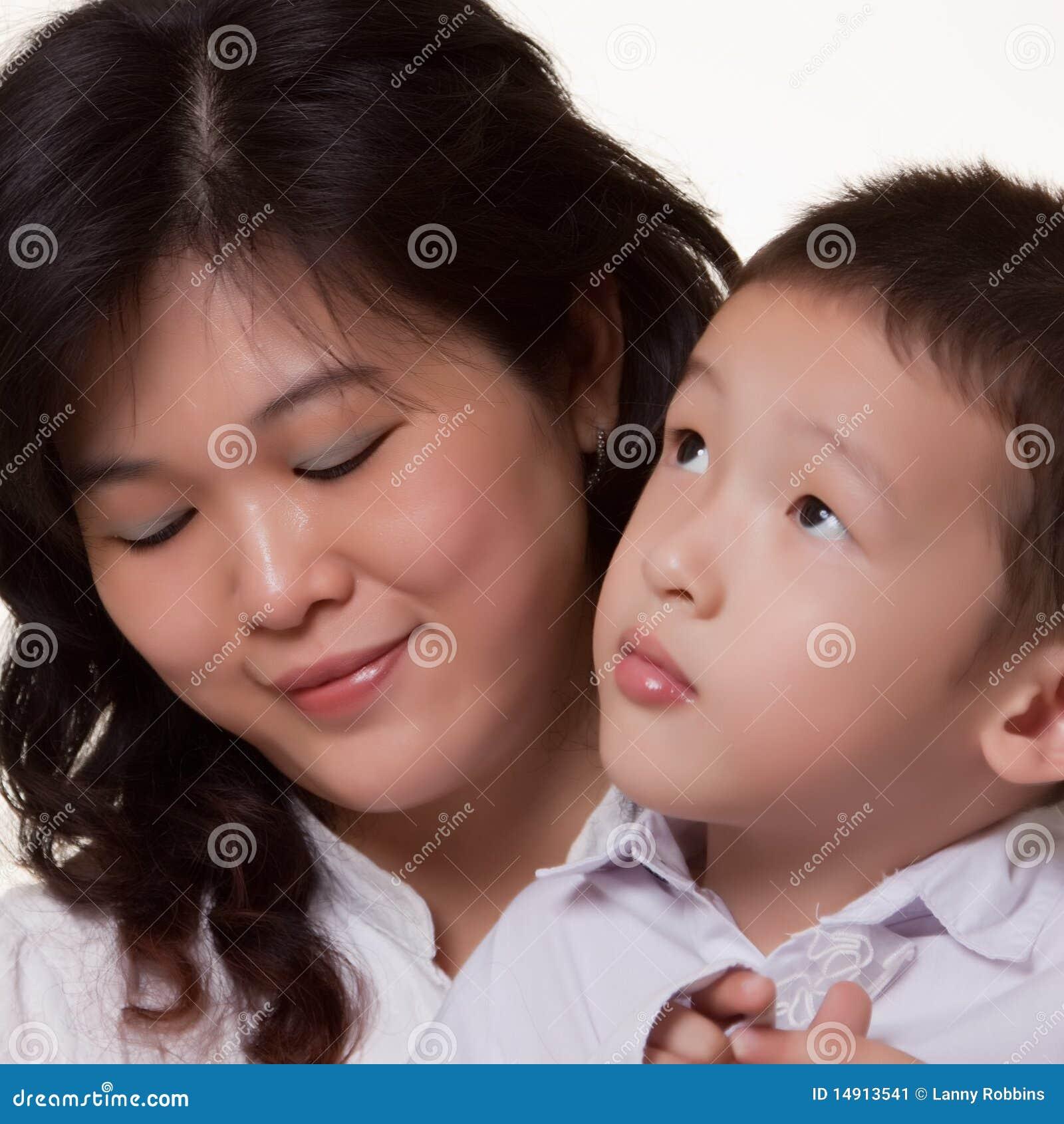 Mama asiática