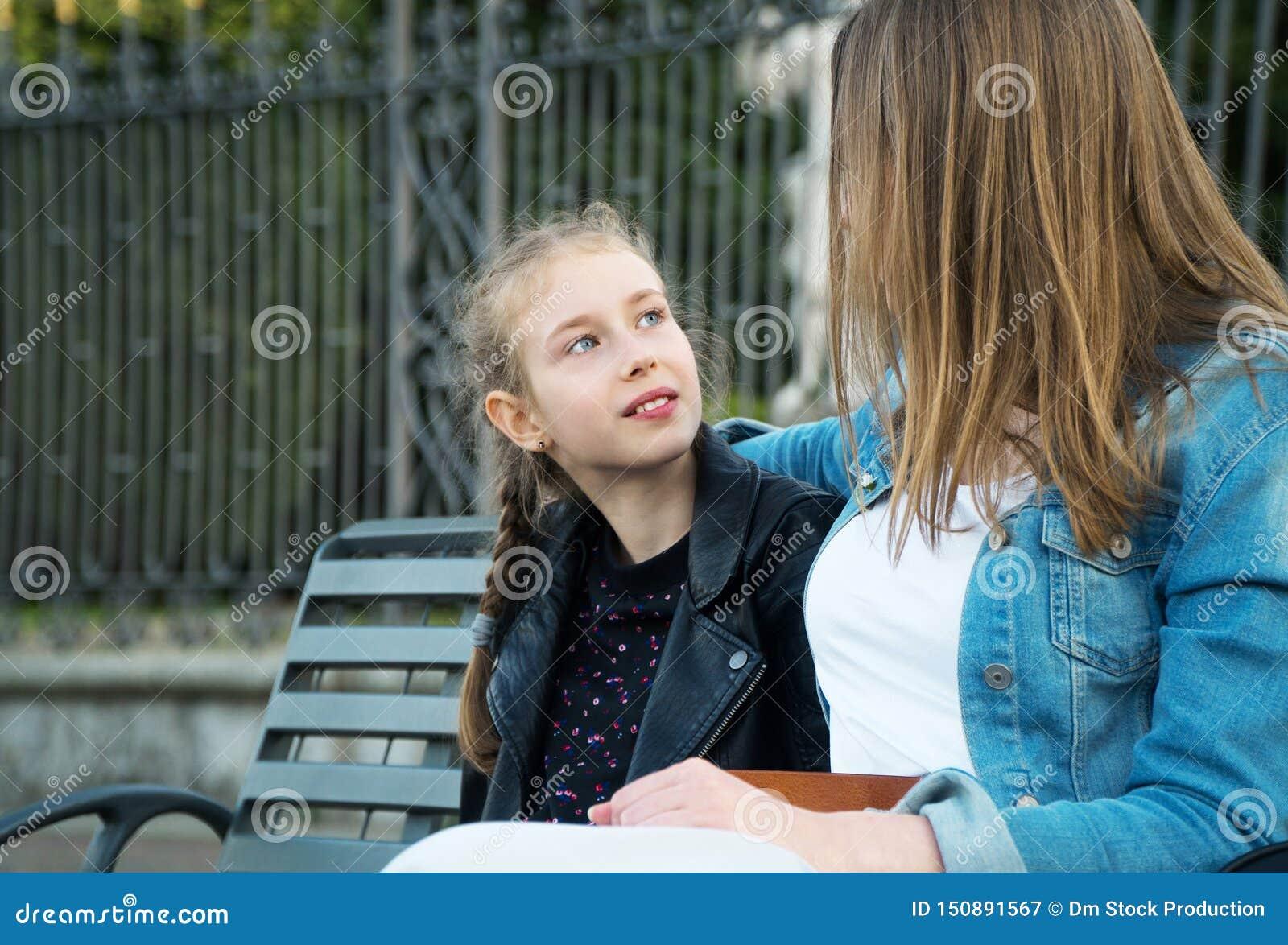 Mama i jej córki opowiadać