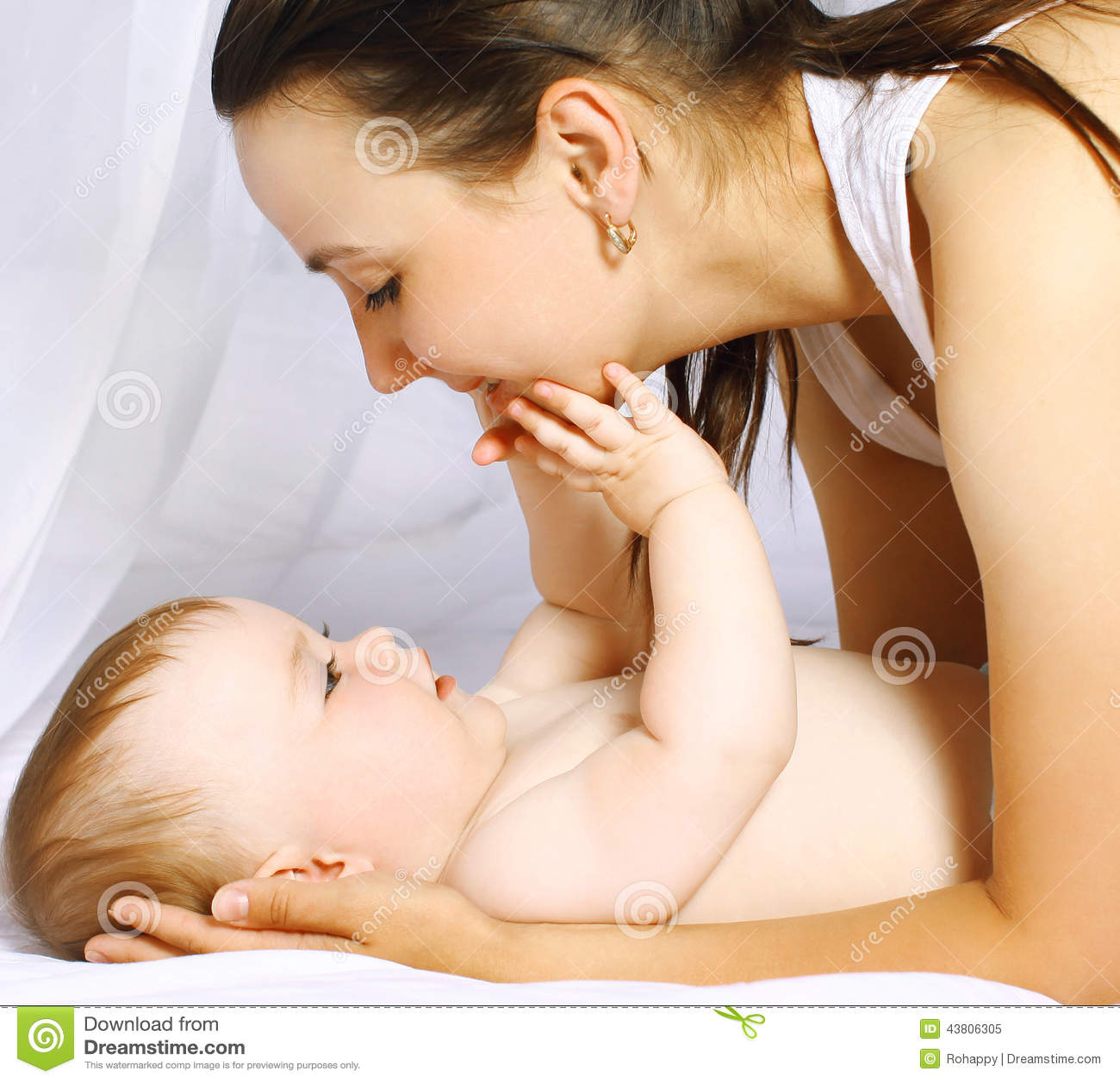 Mamma en babybedtijd