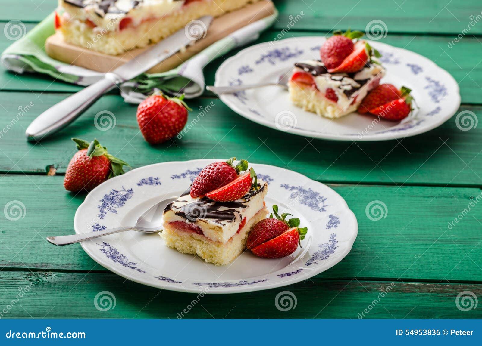 Mammas efterrätt med nya jordgubbar