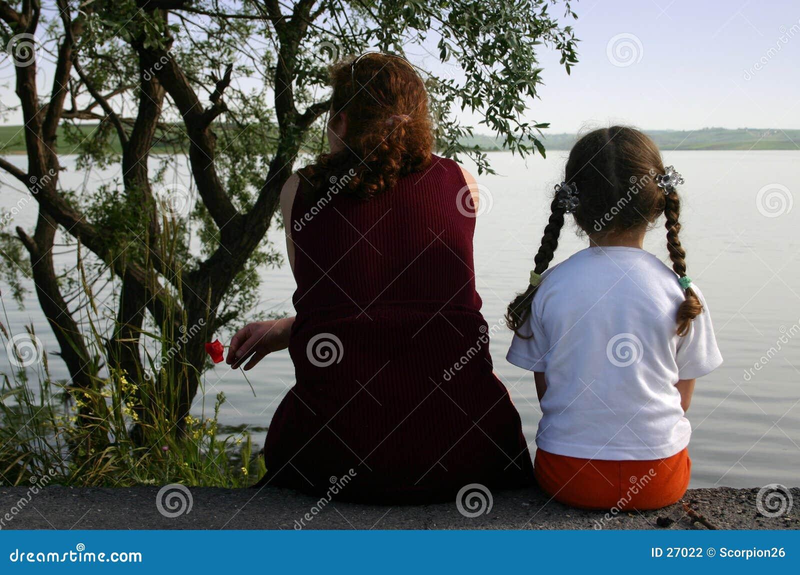 Download Mamy córkę zdjęcie stock. Obraz złożonej z dzieci, przodkowie - 27022