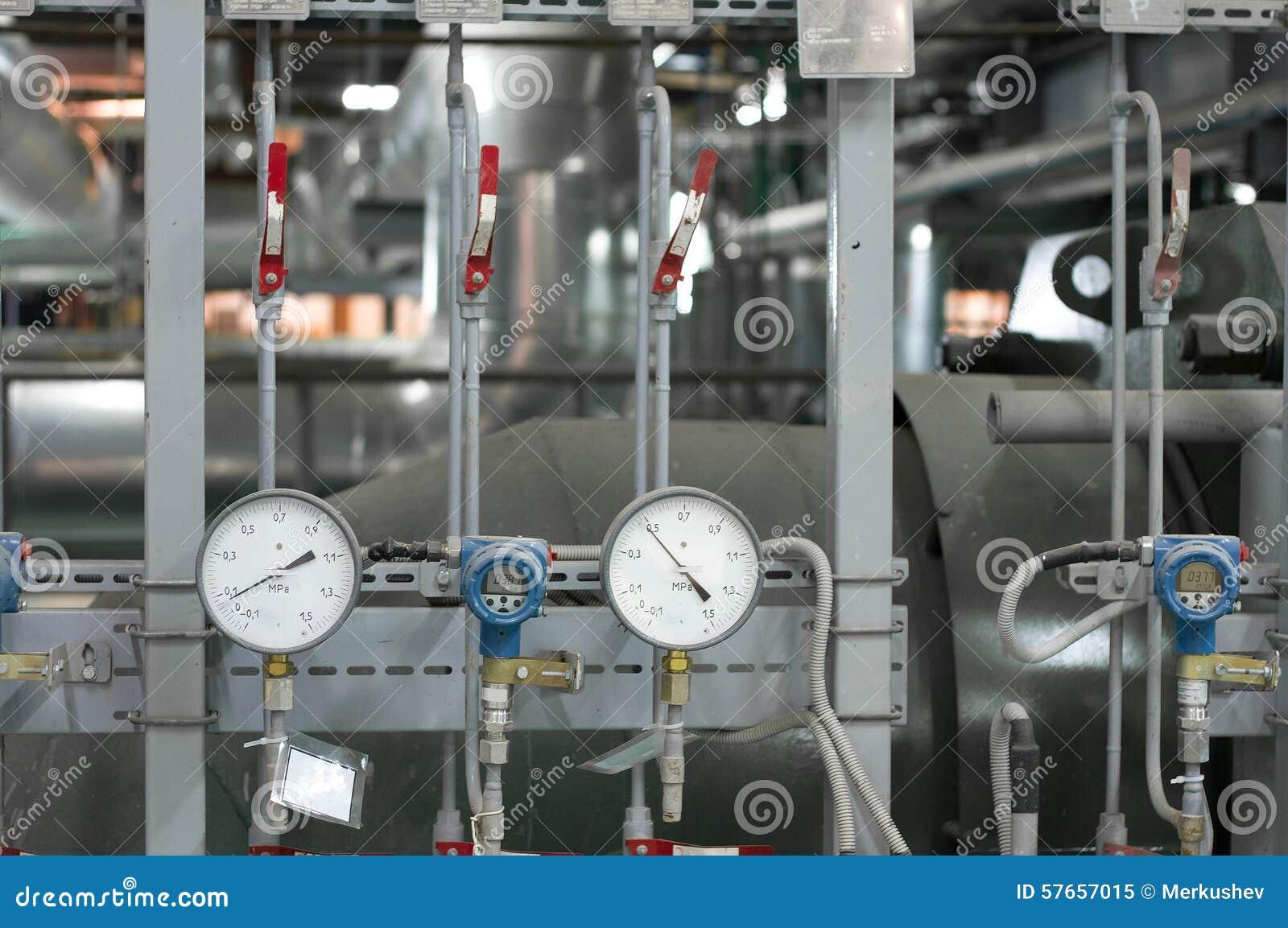 Manómetros na caldeira