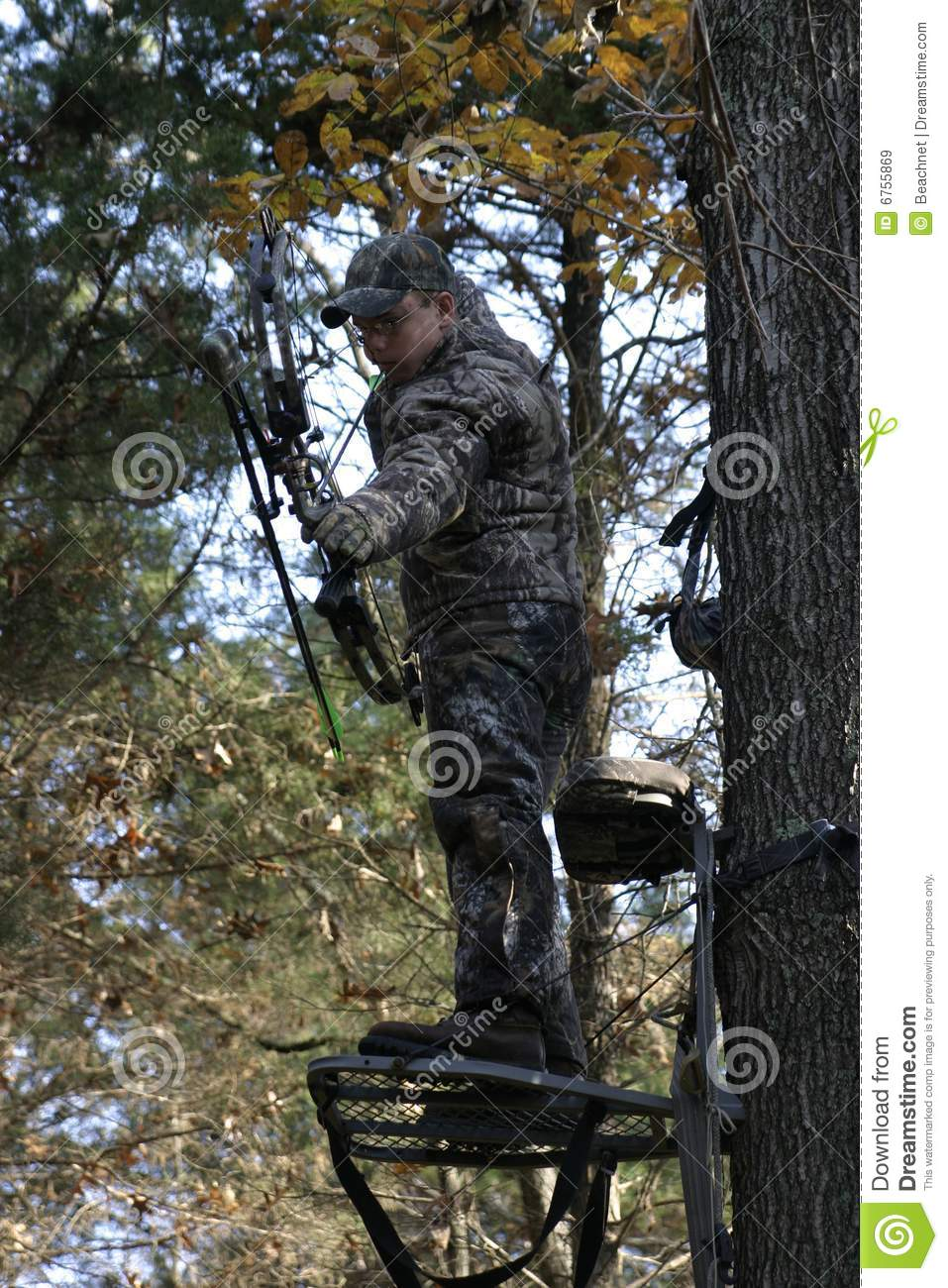 Man Bow Hunting Royalty Free Stock Images Image 6755869