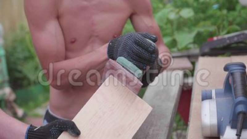 thumb builders Wooden