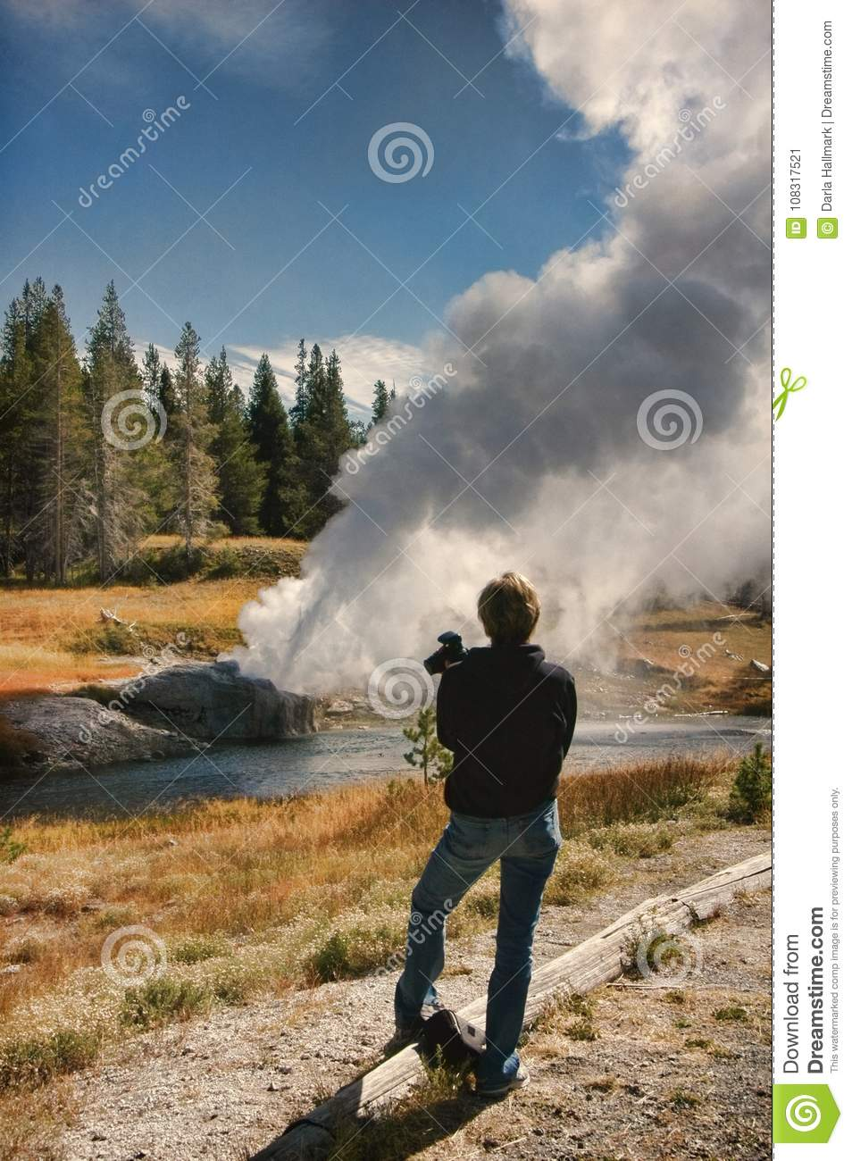 Idea Watching the geyser