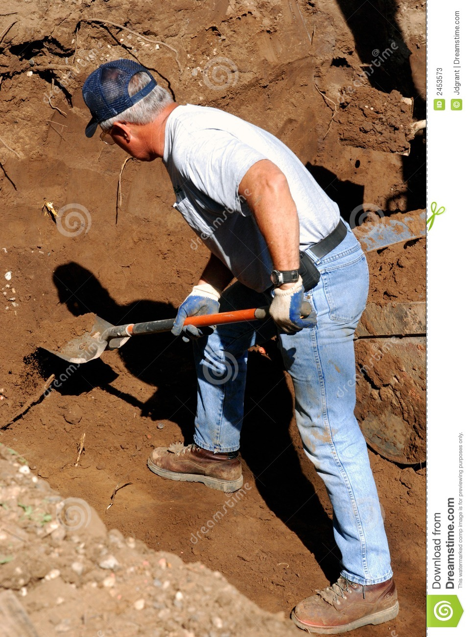In the middle of somewhere: Digging the hole
