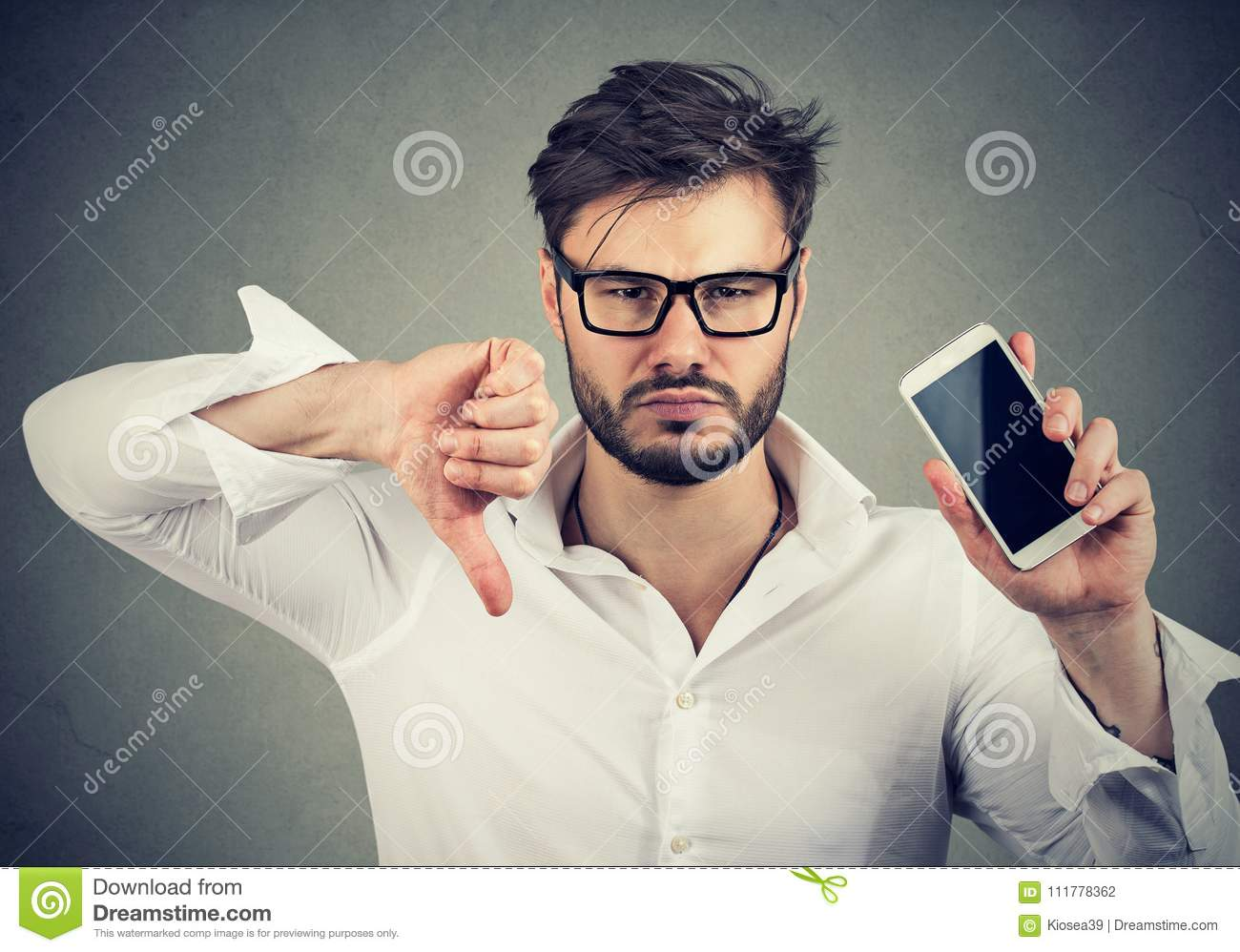 Man dissatisfied with quality of gadget mobile phone