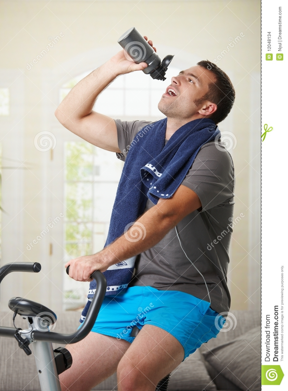 Man Drinking Water During Exercise Stock Images Image