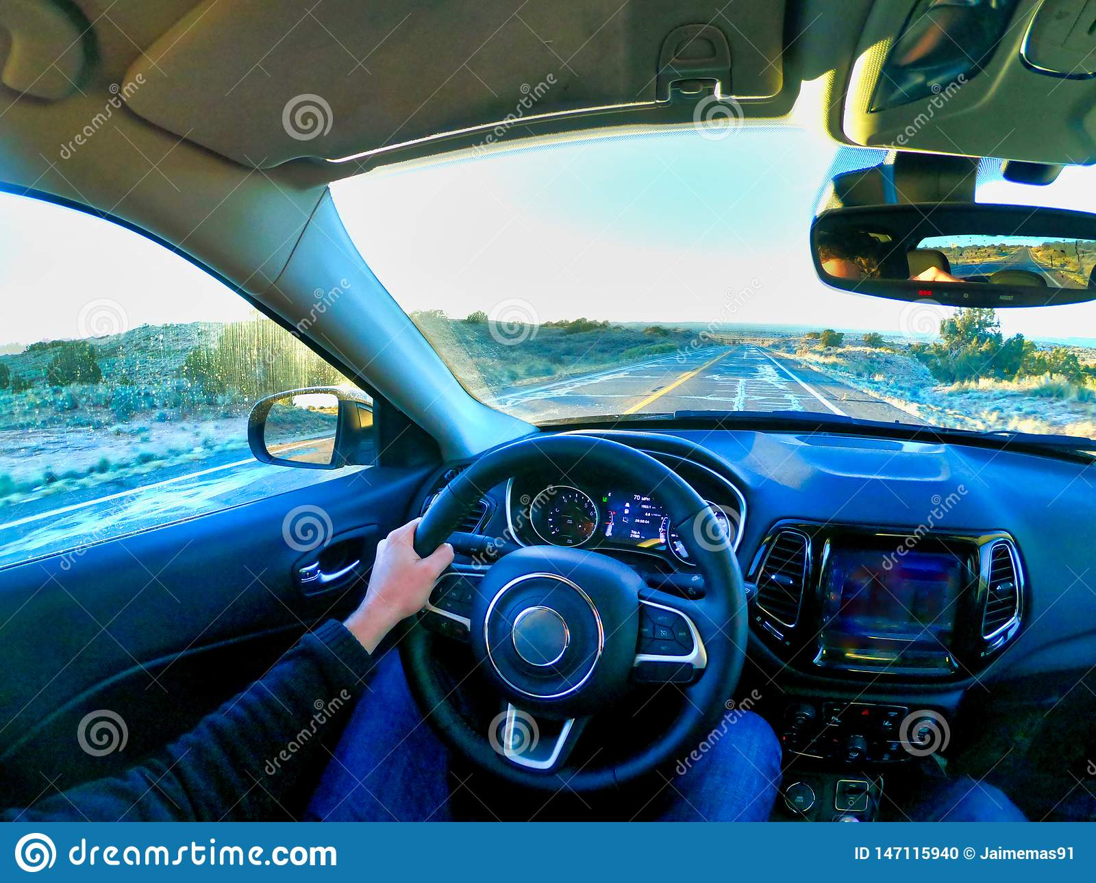 Los angeles, california, usa, 15/04/2019 man driving a car in america
