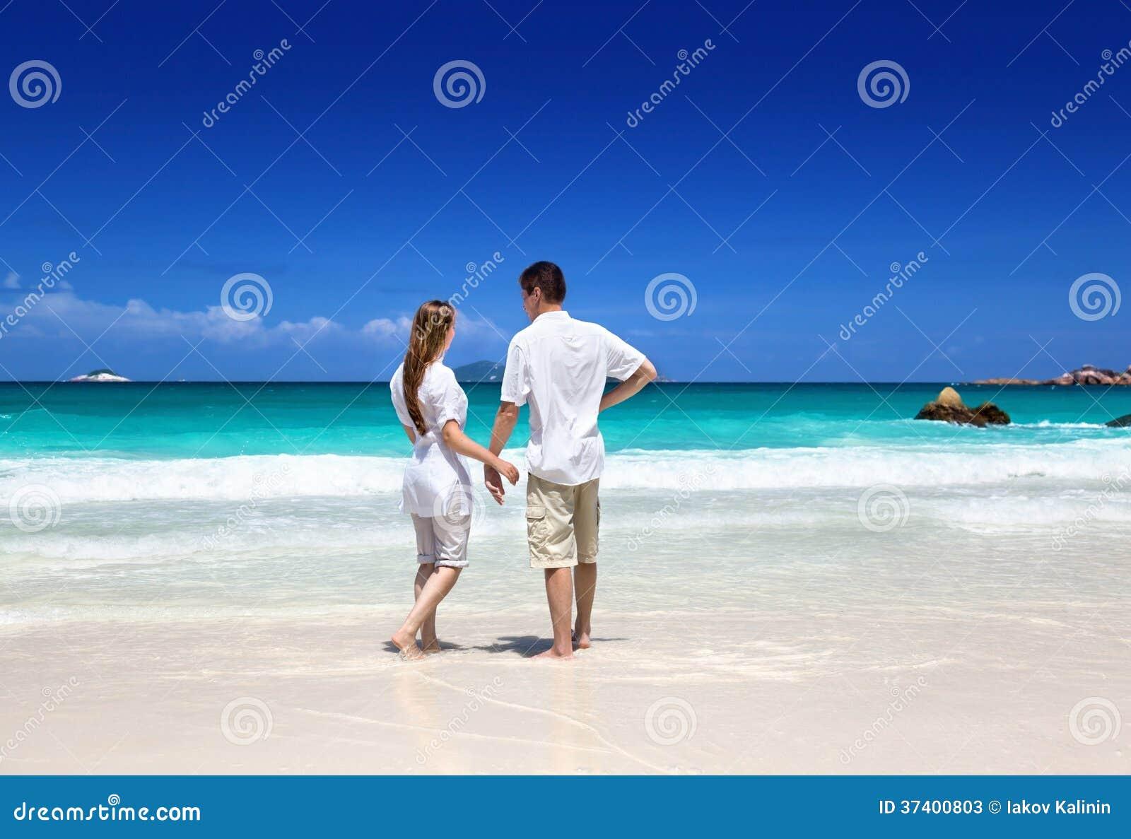 Man en vrouwen romantisch paar