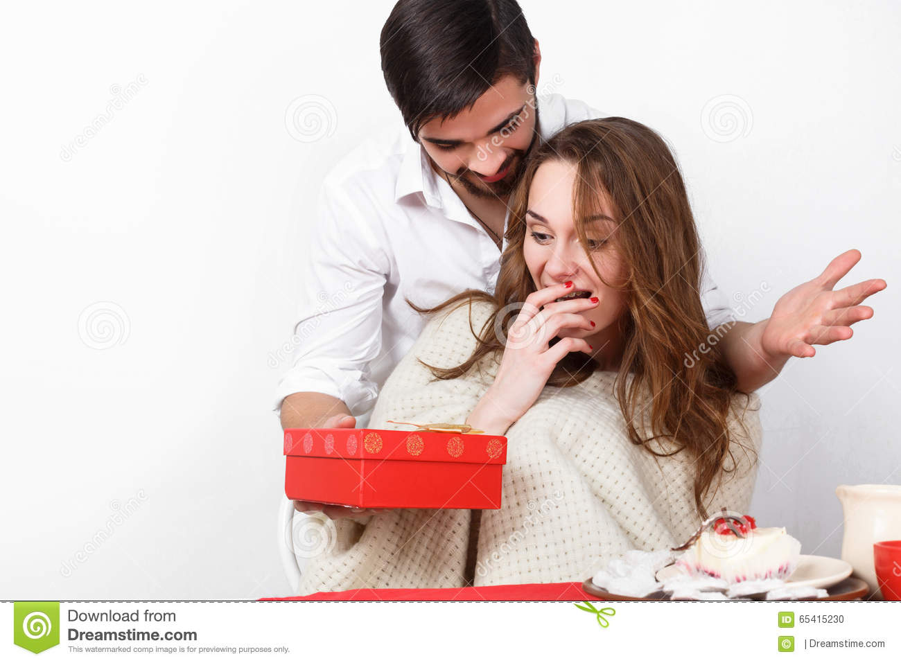 What To Gift My Girlfriend On Valentine Day 50 Best Gifts For