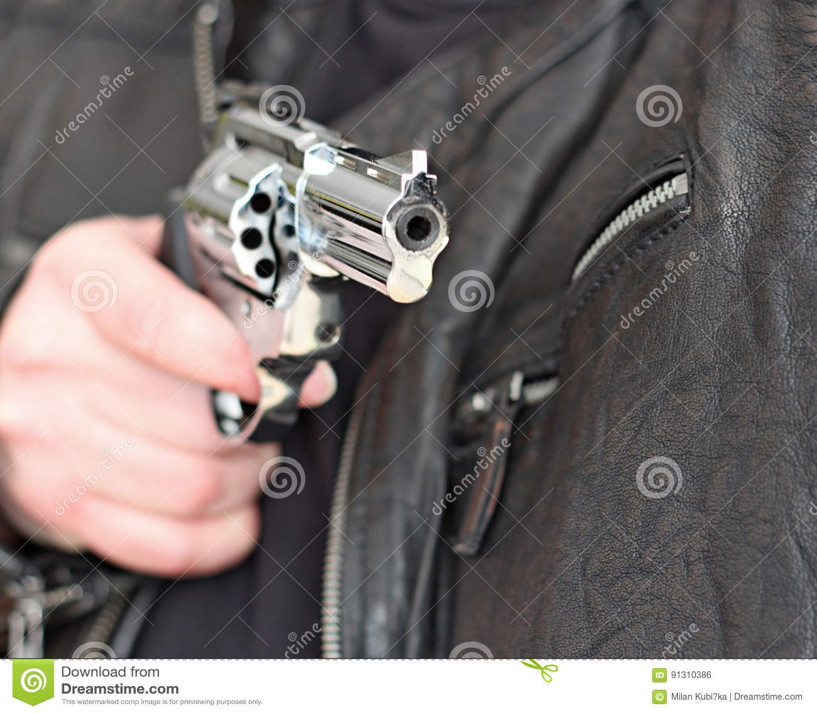 Pistola 9mm foto real