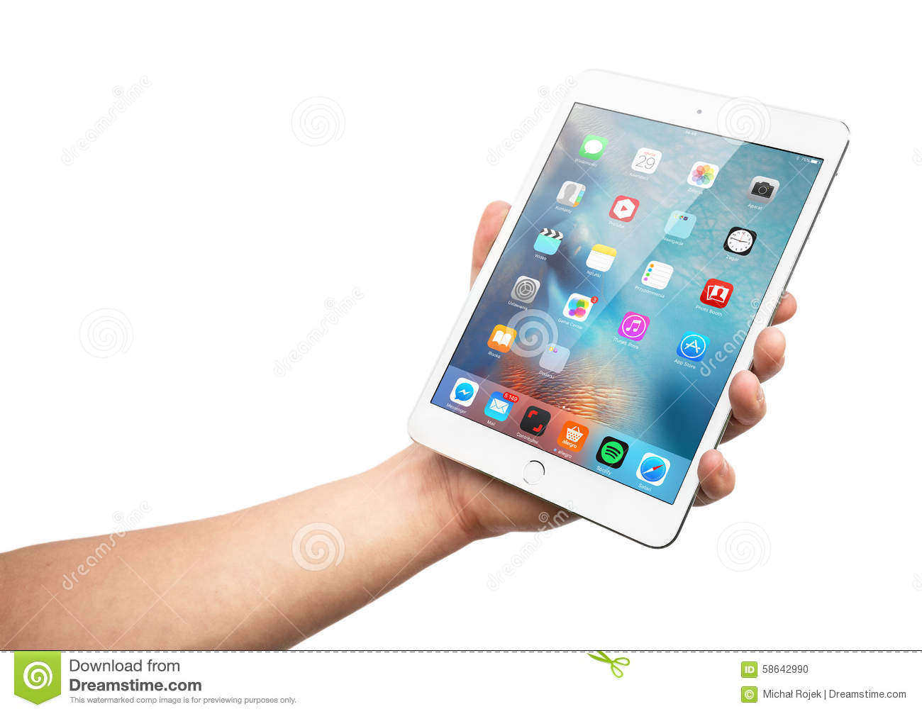 Man Hand Holding The Ipad Mini 3 Retina Editorial Image