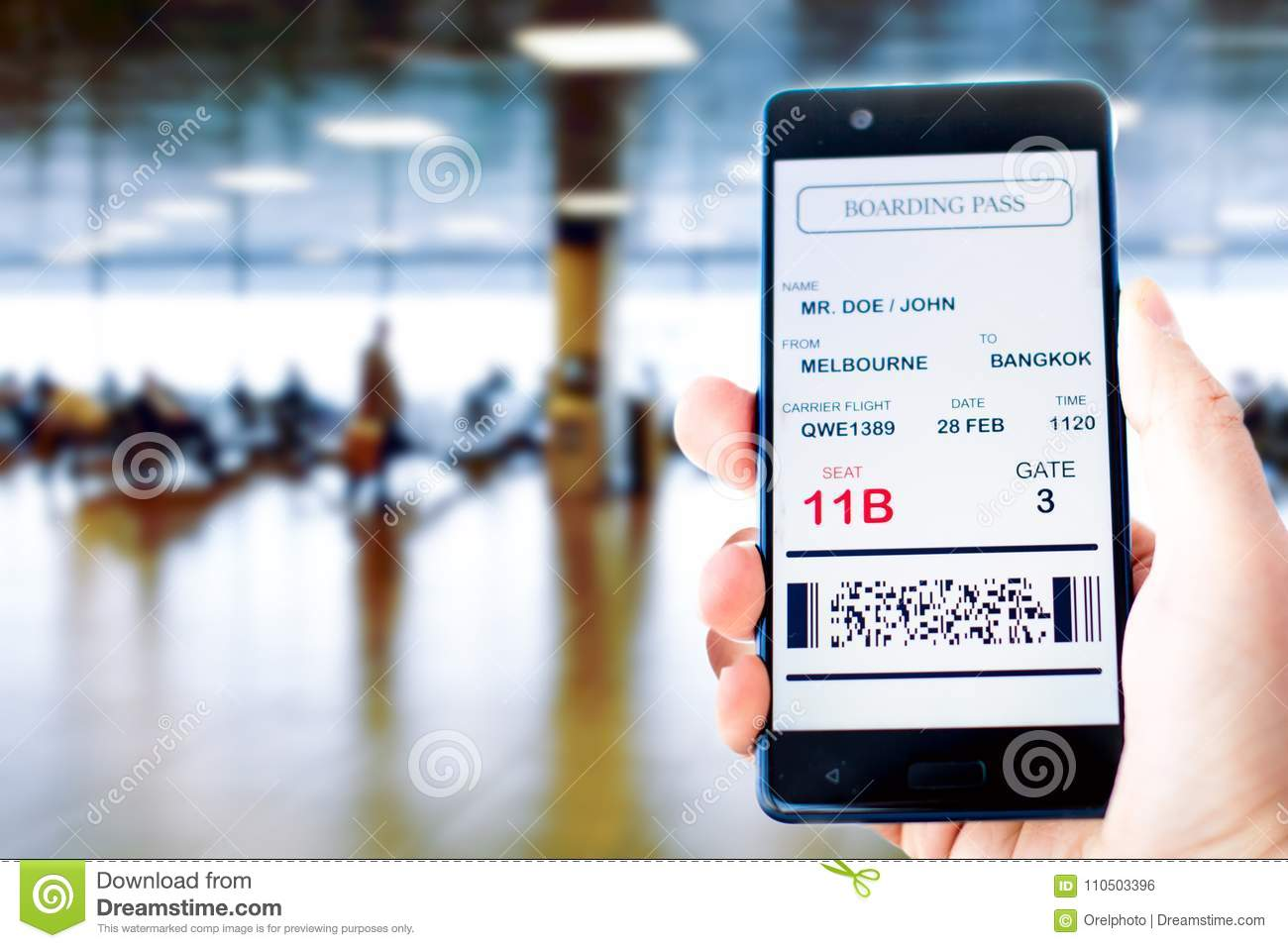 carte d embarquement sur mobile Mobile Phone With Mobile Boarding Pass Stock Photo   Image of