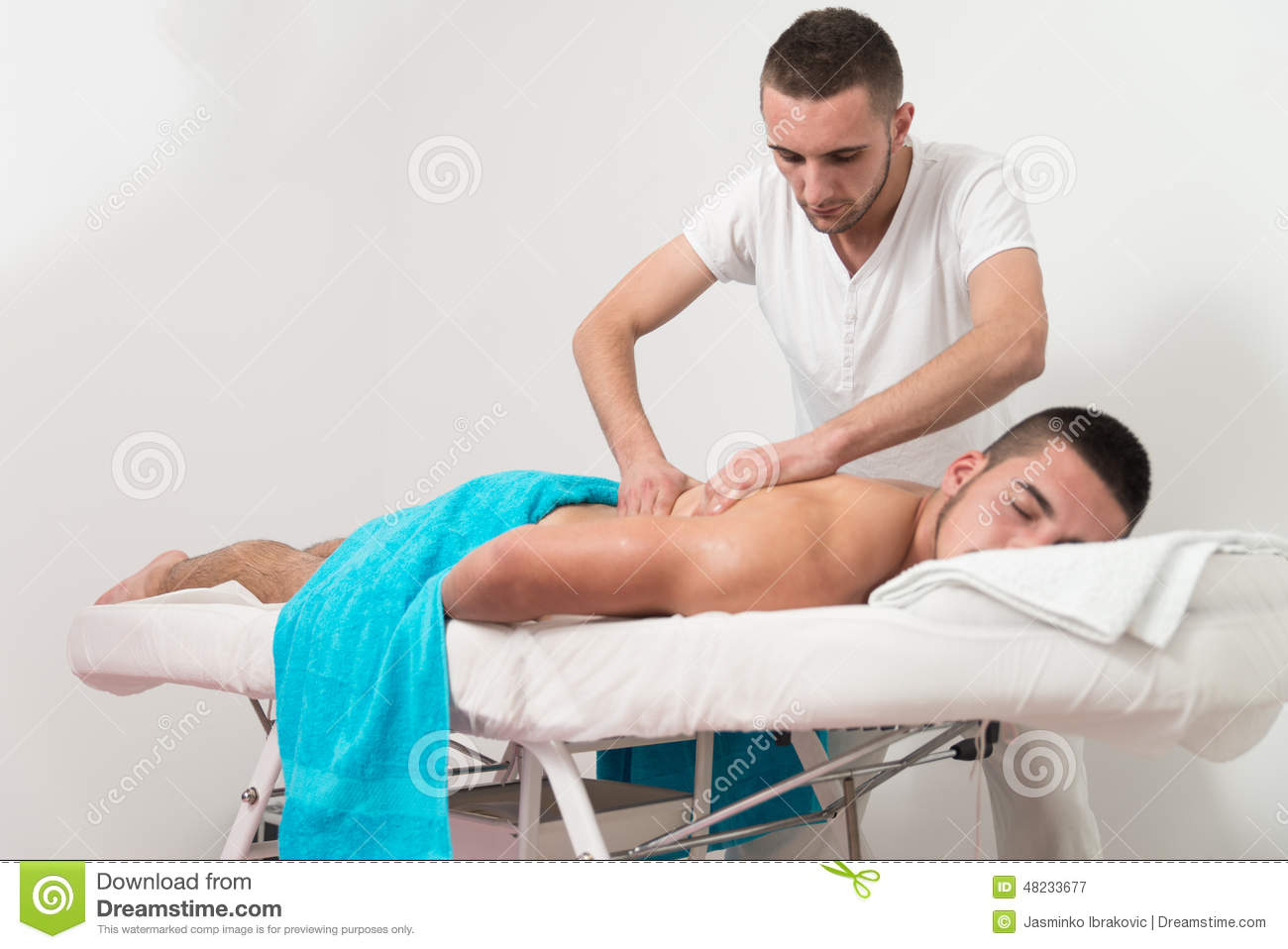 Man having back massage in a spa center stock image image of joyful relax 48233677 - Salon massage body body paris ...