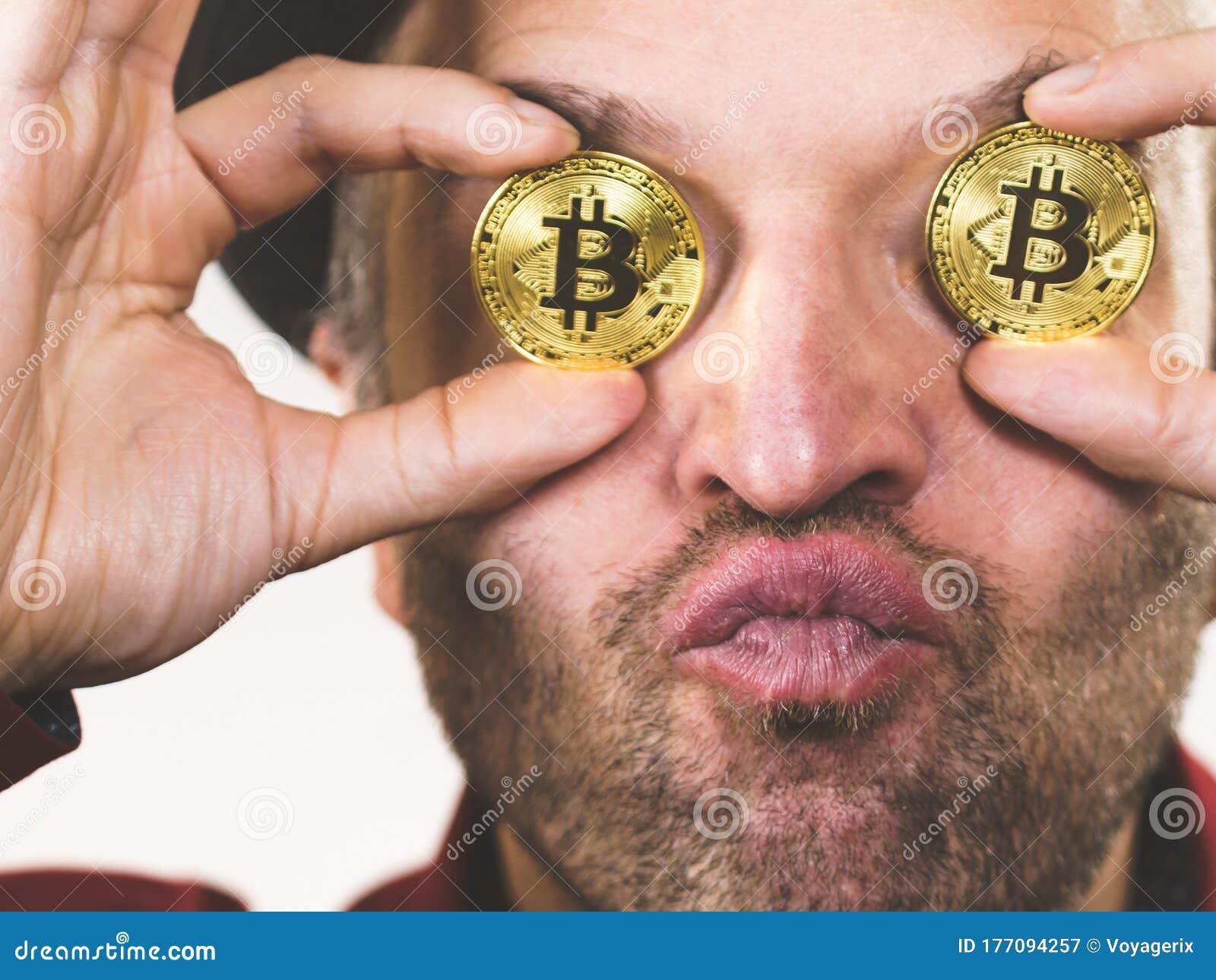 néz bitcoin)