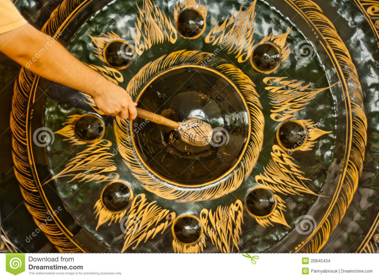 Man Hit Big Gong Stock Images - Image: 20845434