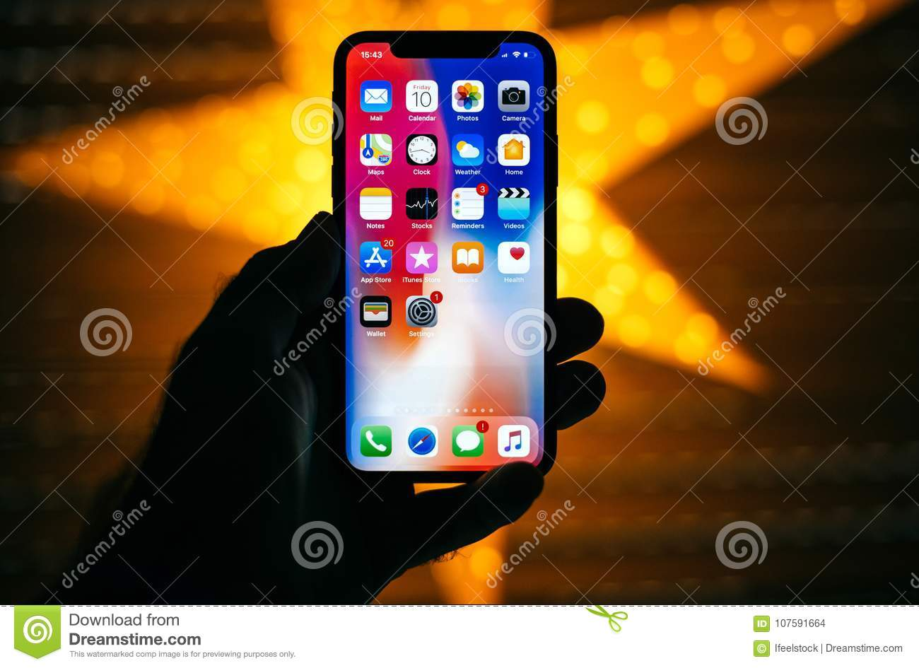 official photos 8e891 f695e Man Holding The New Apple IPhone X 10 Display With Yellow Star ...