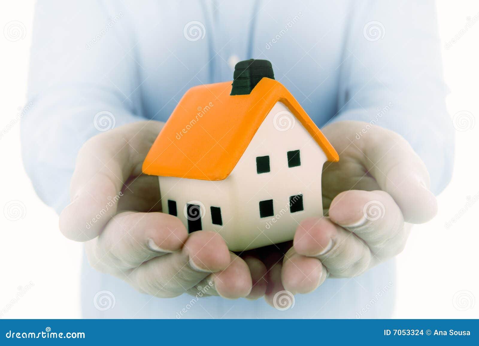 Поздравление агенту по недвижимости