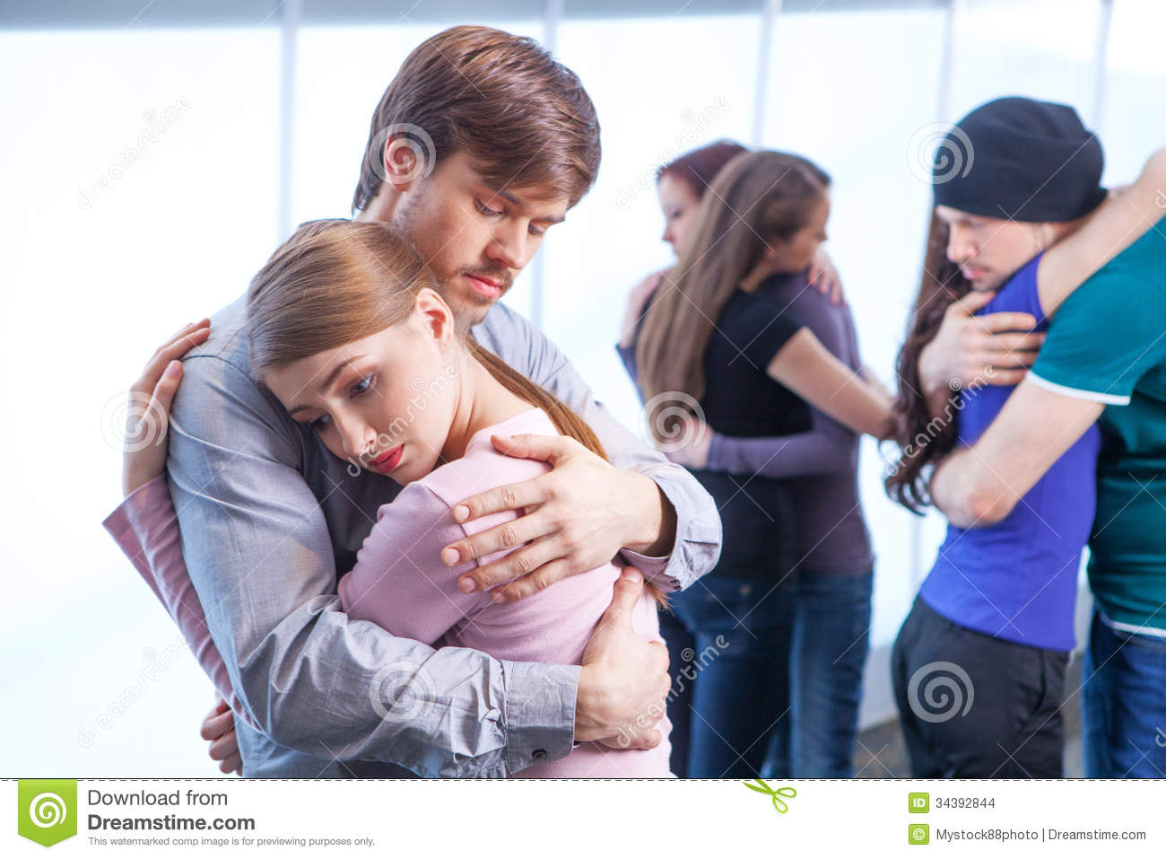 the man who hugged women 'if you're muslim, we can't be friends,' annie told one of the men, micah david  naziri 'my bible says that' muslim woman hugs anti-islam.