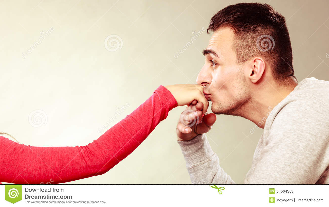 kissing wife and husband relationship