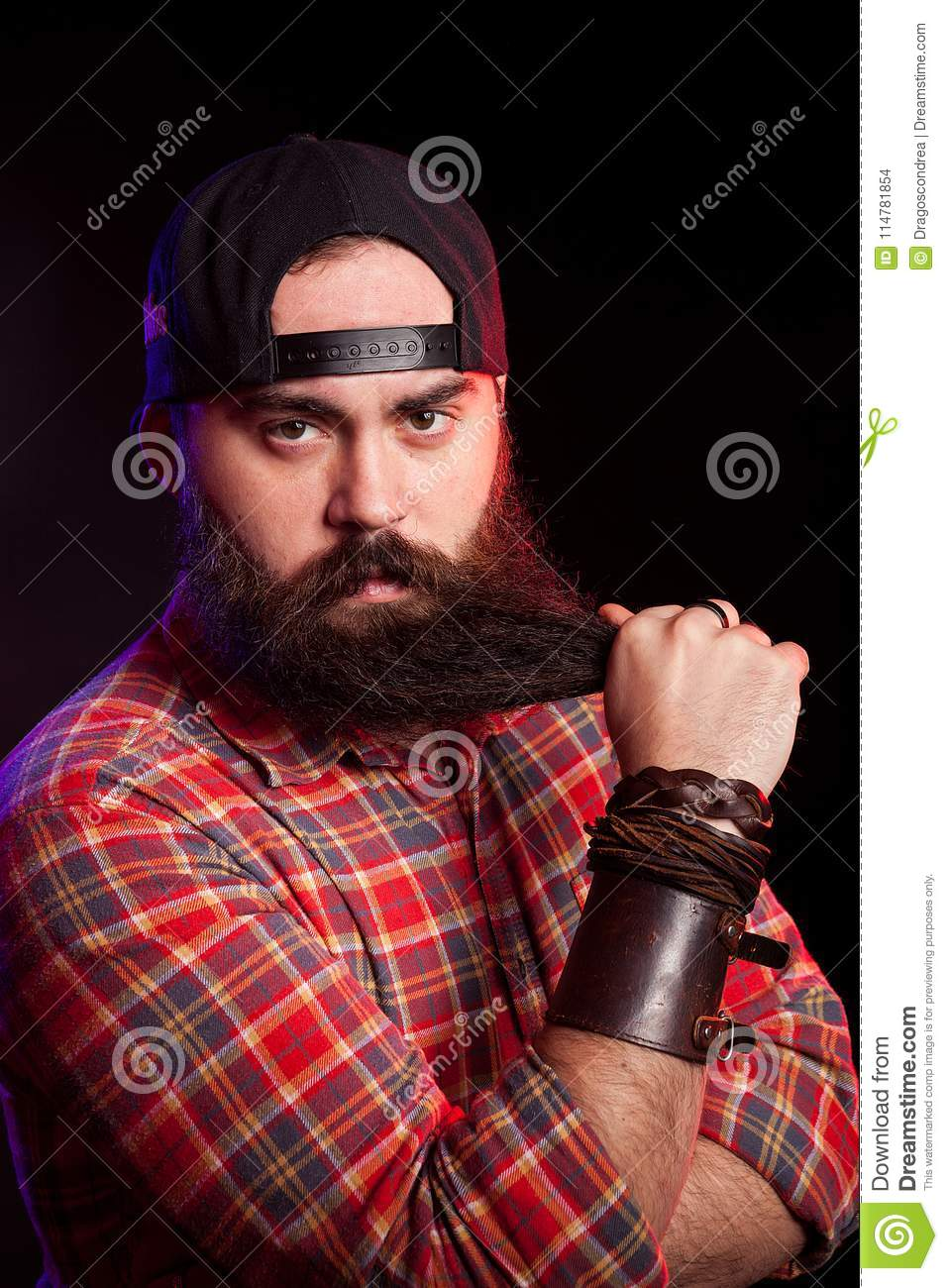 9122178cb Man With Long Beard Wearing A Hat Stock Photo - Image of brutal ...
