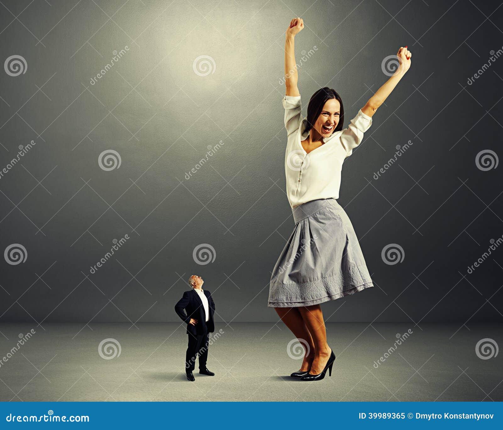 Tiny women seeking big men