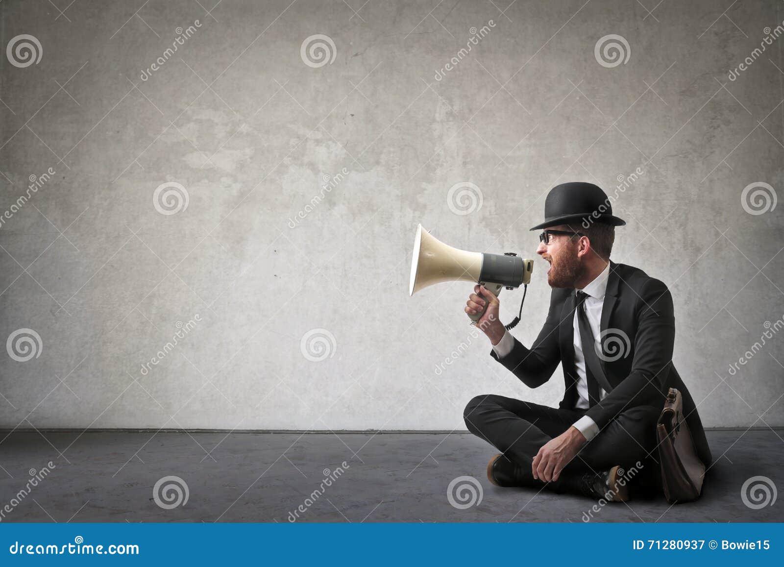 Man med högtalaren