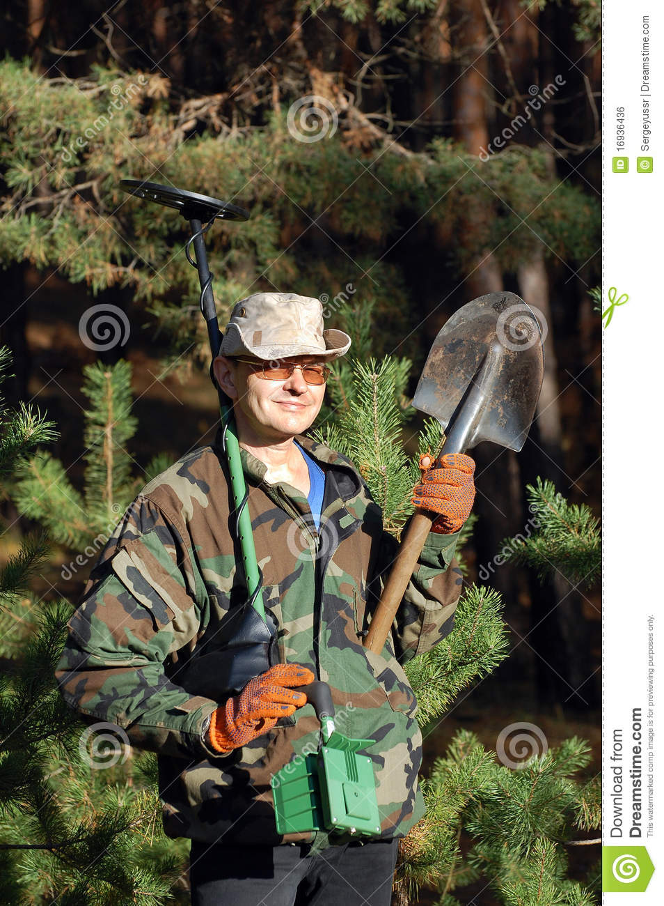Jew Detector: Man With Metal Detector Royalty Free Stock Image