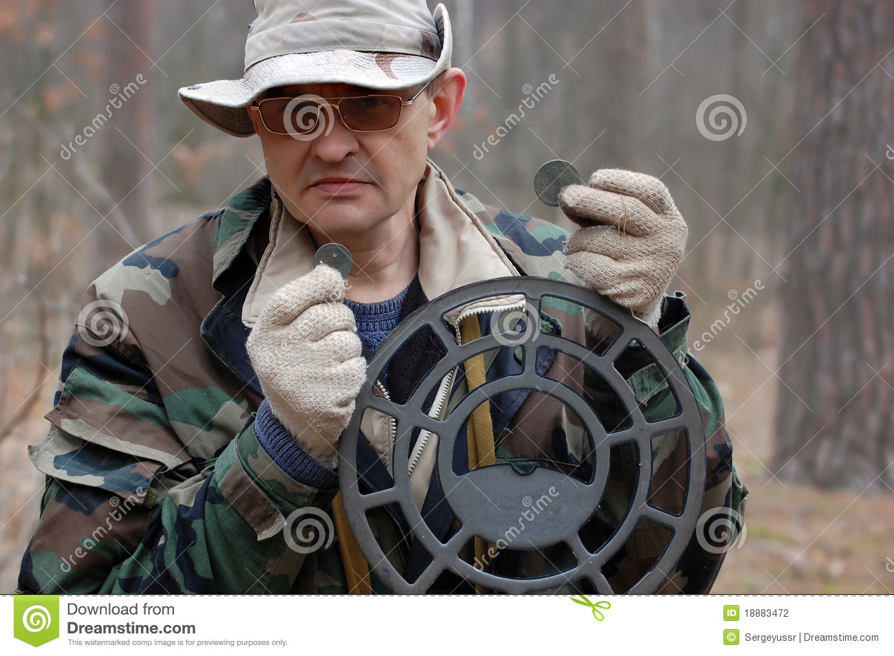 Jew Detector: Man With Metal Detector Stock Photography