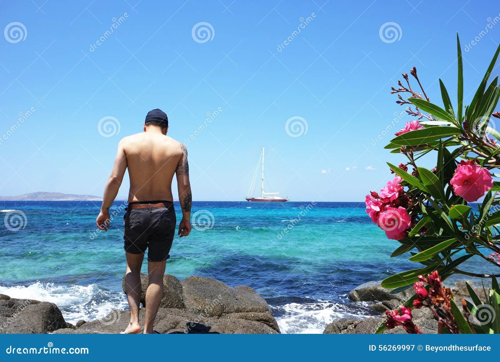 Man på ferie
